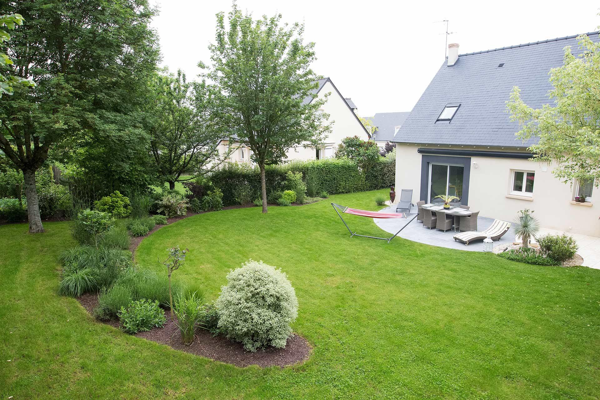 Serrault Jardins, paysagiste valorise vos extérieurs grace à son savoir faire et son expertise dans le paysage.
