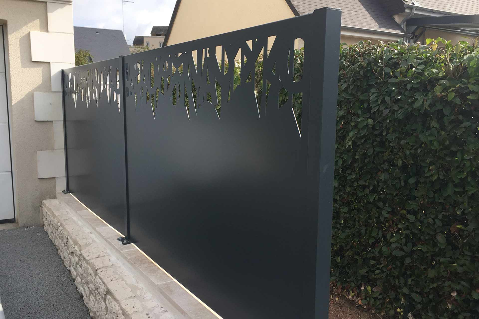 Serrault Jardins vous propose une gamme de palissades en alu.