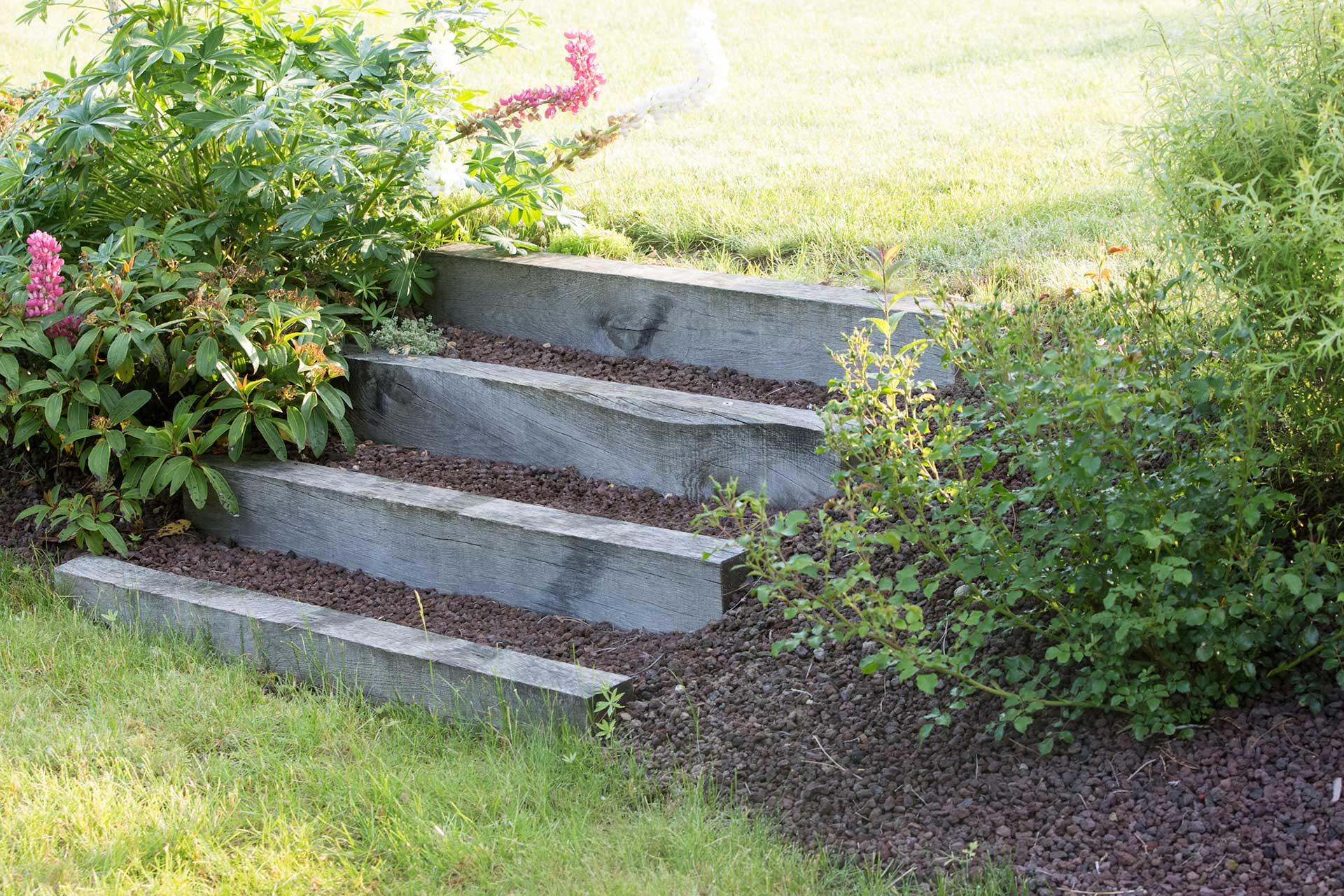 Serrault Jardins réalise également les escaliers pour votre jardin.