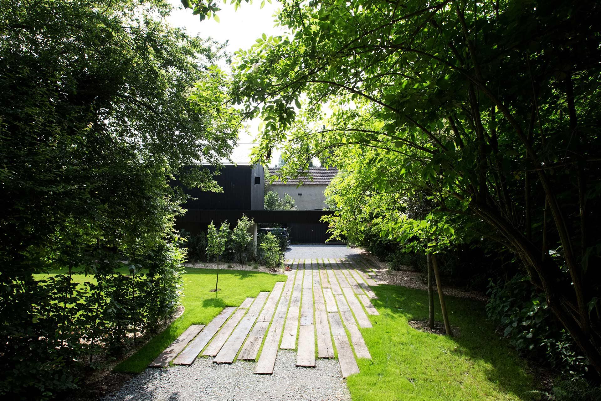 Serrault Jardins, paysagiste à la Ville aux Dames réalise des jardin sur mesure en fonction des besoins et envies du son client.