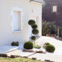 Serrault Jardins, entreprise du paysage sur La Villes aux Dames dans le 37 vous propose des accès de garage en gravillons.