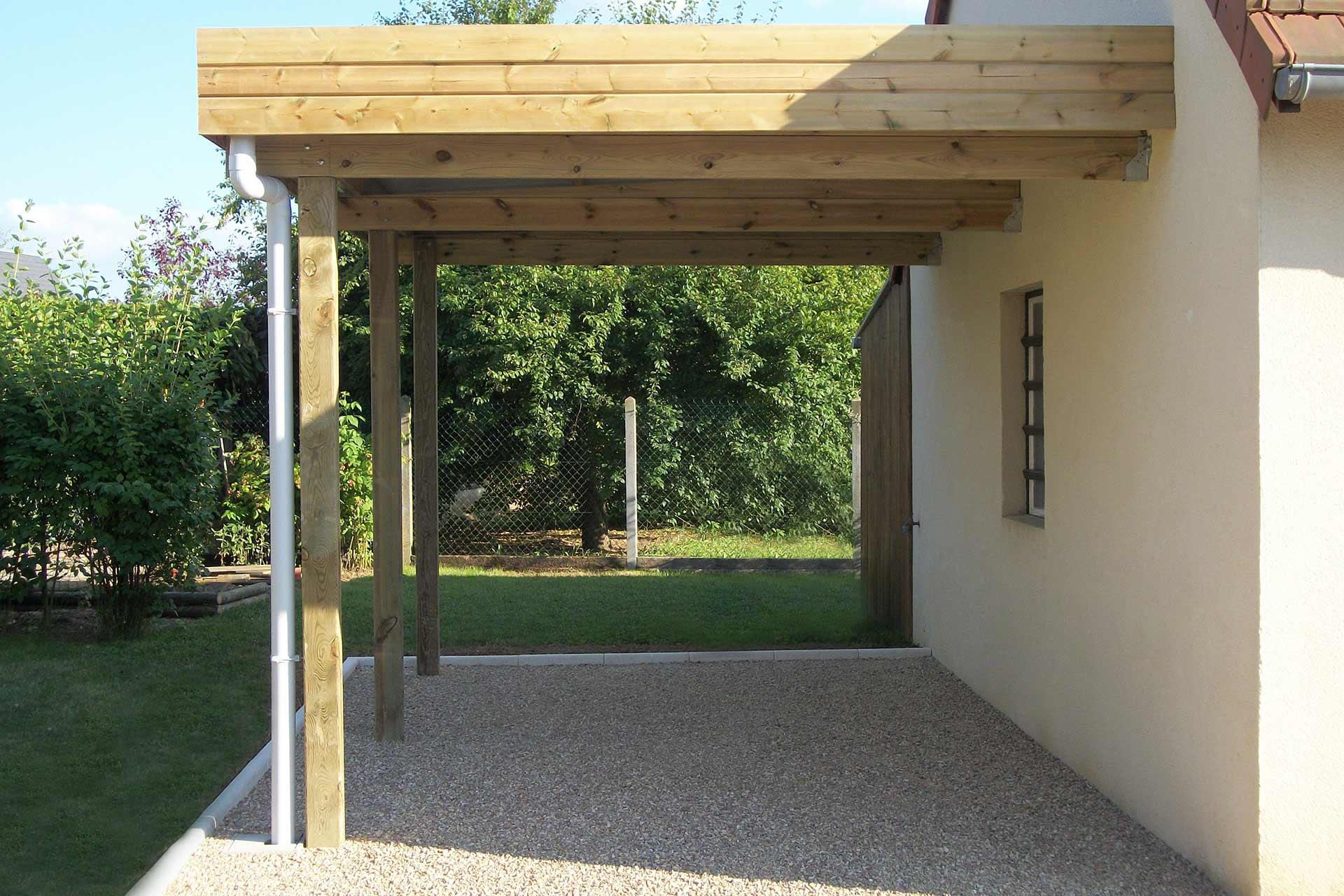 Serrault Jardins, vous propose une gamme de carport pour votre jardin.