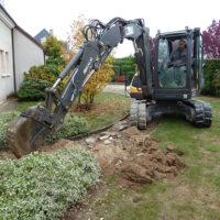 Entreprise du paysage, Serrault Jardins est équipé pour tous les travaux de jardin.