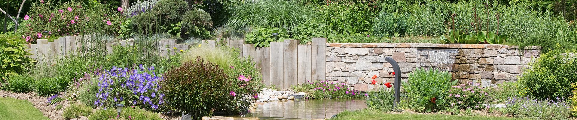Entreprise du paysage, Serrault Jardins vous propose la création complète de votre jardin.
