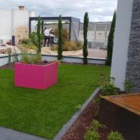 Serrault Jardins, créateur de jardins, vous propose du gazon synthétique.