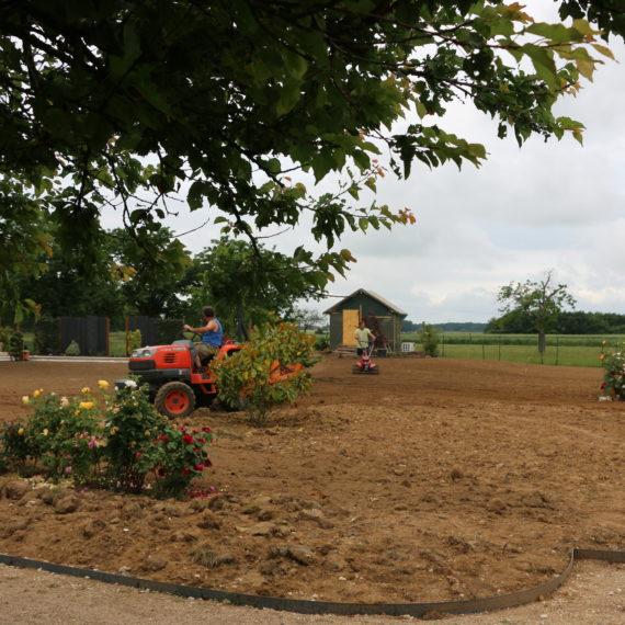 Serrault Jardins, paysagiste à La Ville aux Dames recrute des ouvriers paysagistes.