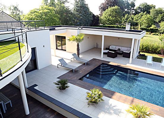 Aménagement de terrasse et bord de piscine à Tours
