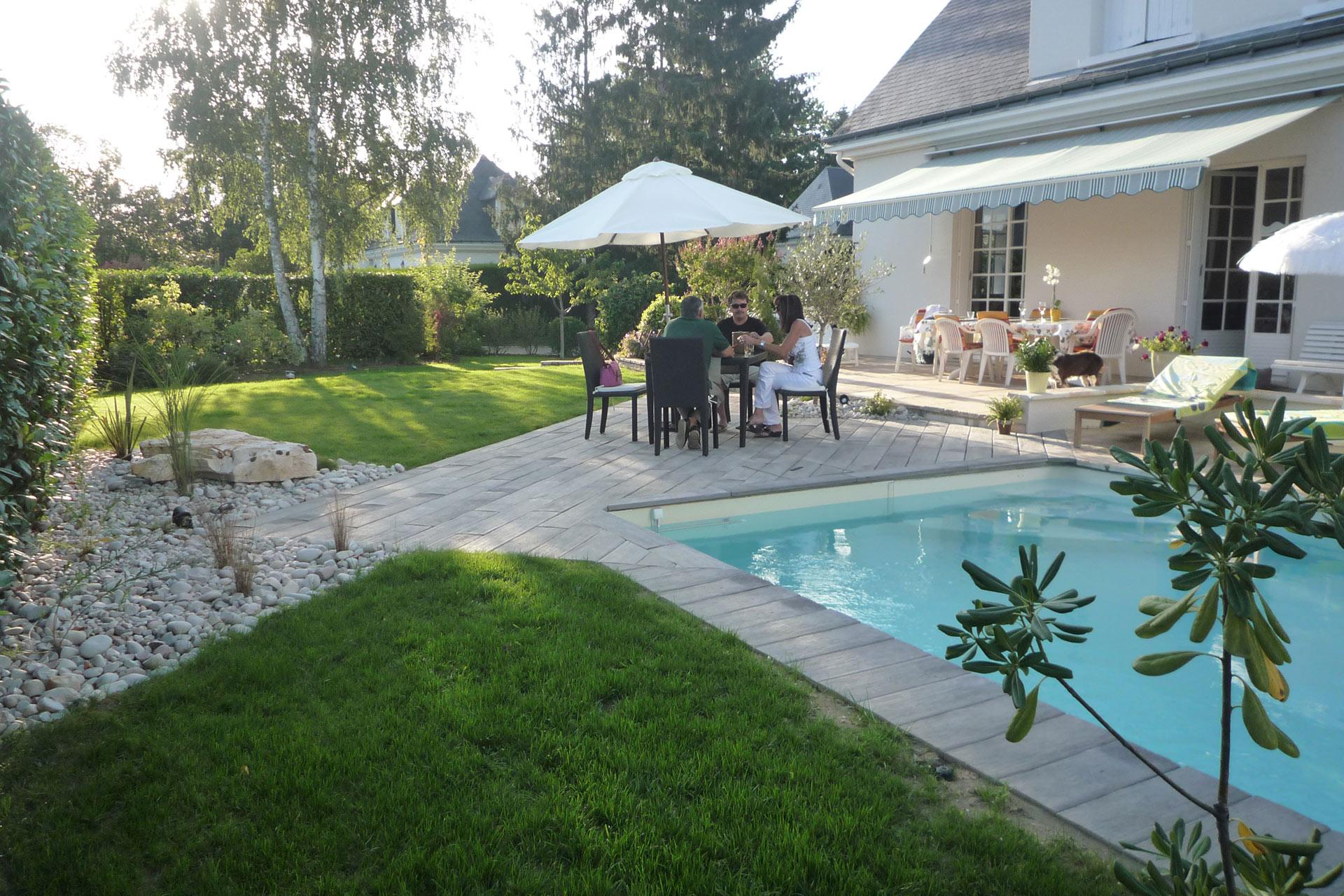 Vous cherchez un professionnel pour votre jardin : Serrault Jardins est le spécialiste du jardin dans le 37, à Tours.